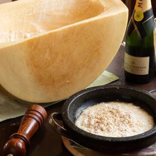 目でも楽しめる大人気のチーズをお好みのお料理でお楽しみあれ☆