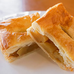 農かふぇ 白馬そだち - サクサクのパイの中には、信州産のリンゴがぎっしり詰まっています