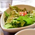エルパソ - 【キノコ&チキンのケサディアセット@税込950円】サラダ