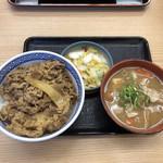 吉野家 - とん汁牛丼セット(並) 612円