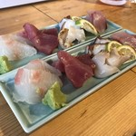 そらや - 刺身盛り合わせ(ひらめ、白ばい貝、蛸、マグロ、シイラ/700円×2)
