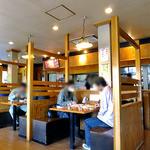 麺や来味 - ボックス式のテーブル席(2011年12月)