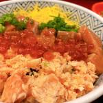 北海道料理 ユック - ◆鮭親子丼 980円(鮭・いくら)