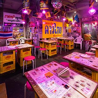 タイの屋台をイメージした空間で、タイで人気のビールを飲む幸せ