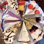 カフェ青山 - ワゴンのケーキ3(フルーツタルト・ガトーフレイズ  ・自家焙煎珈琲のタルト・レモンパイ・キャラメルショコラ・紫芋のモンブラン・キャラメルショコラ)