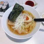 魚べい - こだわり醤油ラーメン(こってり) 345円