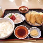 11043685 - 地魚の白身フライ・刺身定食