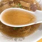 桂林 - ラーメンのスープ