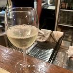 ランデブーデザミ - 3杯目 もう一度さっぱり爽やか系で白微発泡を感じる一杯。