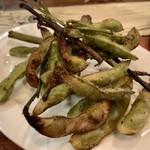 ランデブーデザミ - 枝豆のグリル スパイシーな味付けが後引く一品