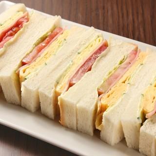 焼きたてたまごのサンドイッチ