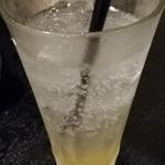 博多もつ鍋 馬肉 九州自慢 - 泡盛レモンハイボール?
