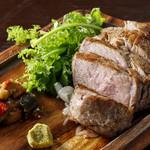 Dining kaze 池袋の風 - 鉄板熟成豚の肩ロースステーキ300グラム