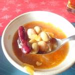 レストラン ベビーフェース - スープには豆がたっぷり