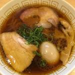 110490904 - 味玉醤油ラーメン(900円) + 大盛り(100円)