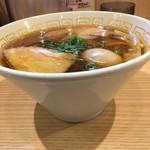 110490907 - 味玉醤油ラーメン(900円) + 大盛り(100円)