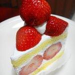 ラ トリエ ドゥ フラウ - あまおうのショートケーキ550円