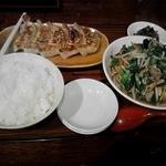 めん王 - 餃子と日替わり