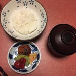 泳ぎいか・ふぐ・いわし・大阪懐石料理・遊食遊膳 笹庵 - ご飯 香の物 留め椀