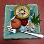 泳ぎいか・ふぐ・いわし・大阪懐石料理・遊食遊膳 笹庵 - 水物 季節の果実