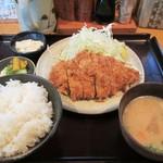 とんかつ しお田 - 料理写真:ランチとんかつ定食