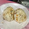 老蔡水煎包 - 料理写真:鮮肉包(豚まん)