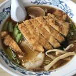 満月食堂 - 料理写真:醤油カツラーメン