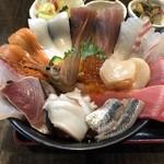 魚良 - 料理写真:海鮮丼 2800円