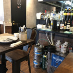 meat&wine BACCHUS - 店内①