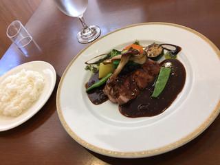 レストラン 洋食工房 - とても品のある綺麗なビジュアル