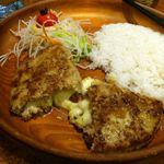 びっくりドンキー - 中身はポテトサラダと濃厚チーズ(150g)