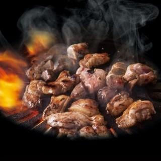 【とり焼き】当店自慢のタレで揉みこんだ、深い味わいをどうぞ!