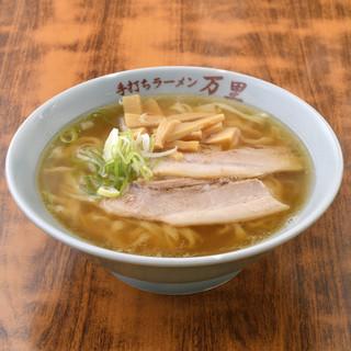 4時間以上炊き上げあるしょうゆベースの飽きないスープ