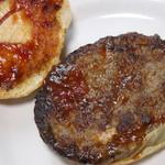 110521104 - 手作りの肉々しいパティ