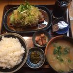 110526677 - とんネギ定食  金曜限定ランチで¥900→¥850                        +¥100でお味噌汁を豚汁にチェンジ