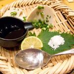 四谷 今井屋本店 - 撮影したメニューには無い、お豆腐。