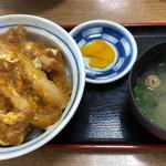 東華ファミリー - かつ丼