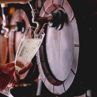 【期間限定】樽生スパークリングワインが777円で飲み放題!