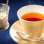 サンタ・マリア・ノヴェッラ・ティサネリーア - 京都和束紅茶_和三盆を添えて