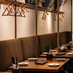 オストレア oysterbar&restaurant - テーブル