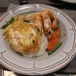 マンゴツリーキッチン - オリジナルシーフードガパオ