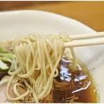 中華そば うえまち - 弾力が素晴らしい麺。ほんといいの。ぼよん。