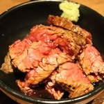 揚鶏屋 伊予 - ローストビーフ