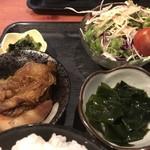むちゃく - 小鉢2品と野菜サラダ