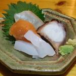 大衆酒場 YATSU the CAFE - 鮮魚お造り4種盛り(一人分)