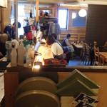 大衆酒場 YATSU the CAFE - 内観写真:カウンター席