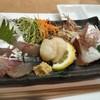 海老正 - 料理写真:刺身盛り合わせ(小)\1,000。鯖、鯛、蛸、貝柱。鯖がうっまい。