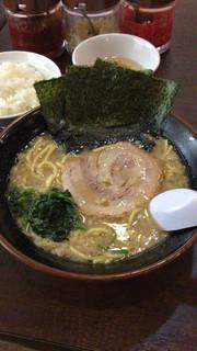 よこはま軒 - 東京とんこつラーメン(750円)