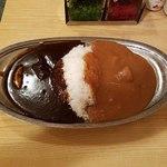 スパイス - 上空からエッグ入りミックスカレー。ビーフとチキン