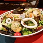 八木八 - 海鮮サラダ